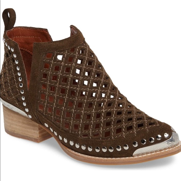 Jeffrey Campbell Shoes - NEW Jeffrey Campbell Tagalong Cut Out Bootie👢
